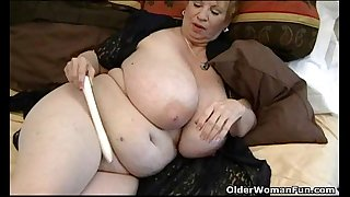Fat granny dagny with her large wobblers plays with sex tool
