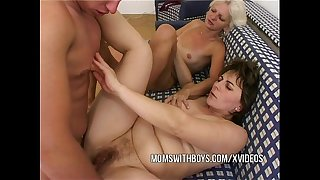 Anal fucking with 2 hawt matures