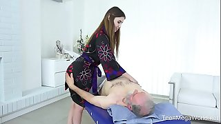 Old-n-young.com - elle rose - gripping full body massage